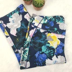 Old Navy floral active capri leggings size 3x